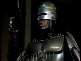 Uiteraard speel je als Robocop de cyborg van OCP.